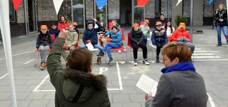 Hoe is het om burgemeester te zijn? Miranda de Vries en Danu Acs beantwoorden vragen van de jeugd bij 'Petje Af'