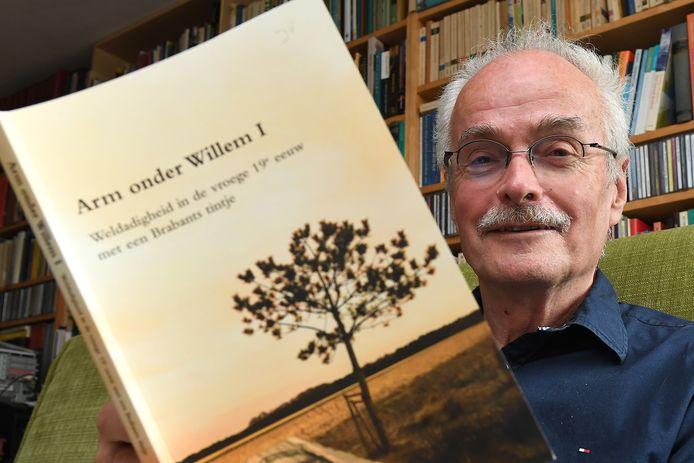 Jos Verhagen en zijn boek.