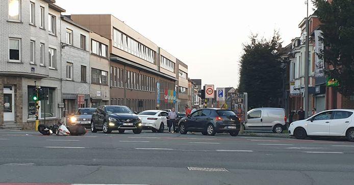 Het ongeval gebeurde aan de Aalstersesteenweg.