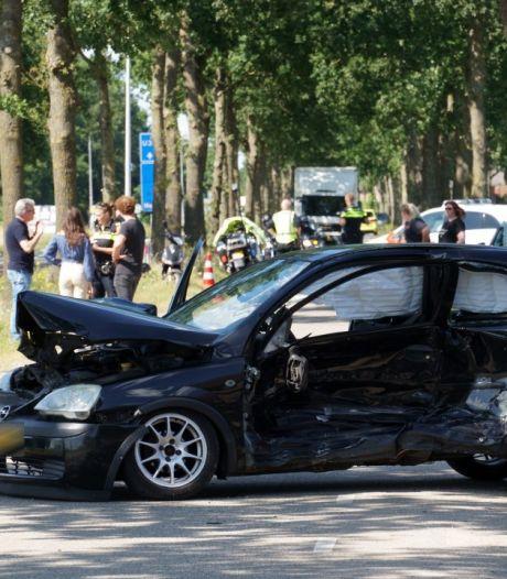 Twee gewonden bij ernstig ongeval op N337 (Wijhe-Windesheim)