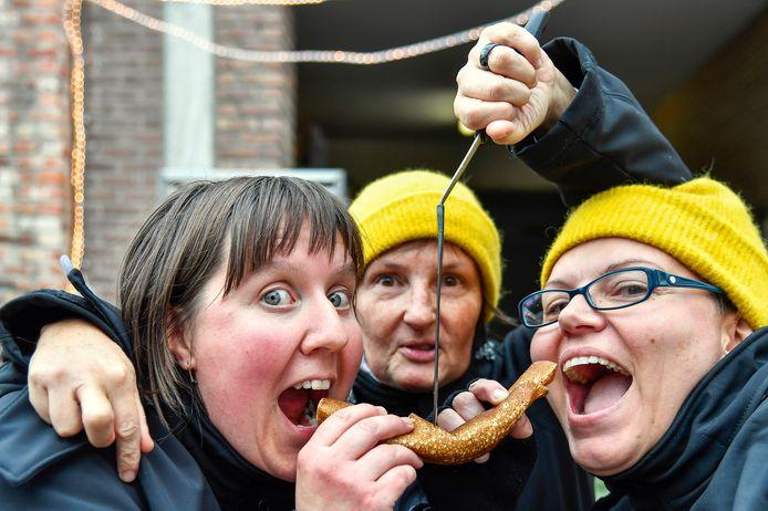 Hilde, Annemarie en Wendy hebben de Pannenkoekenmarathon tot een goed einde gebracht.