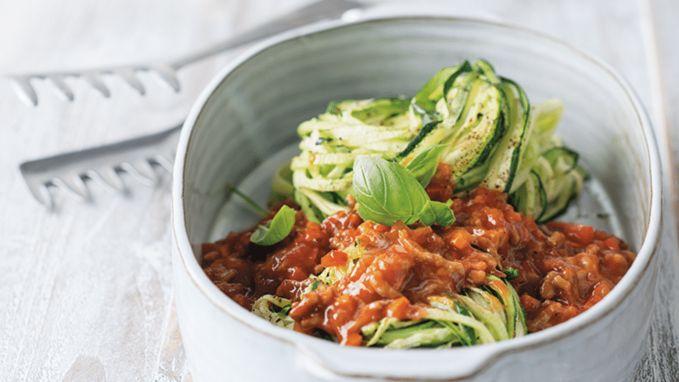 Gezonder dan de klassieker: spaghetti courgetti alla bolognese