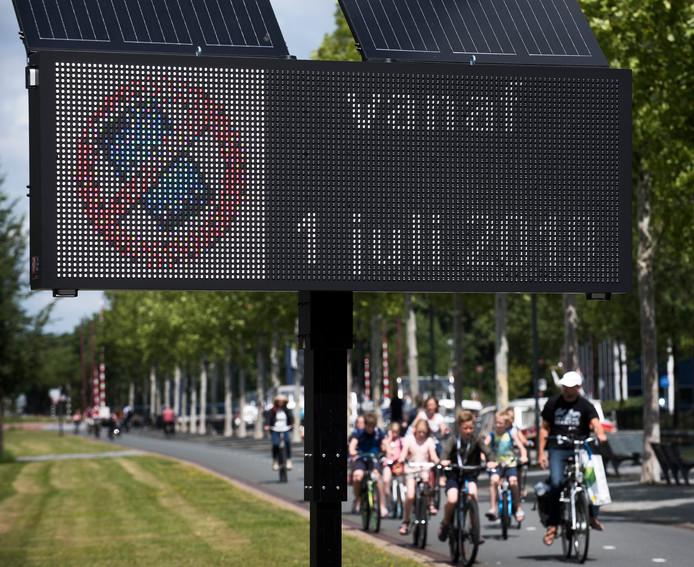 Bellen op de fiets is sinds 1 juli verboden.