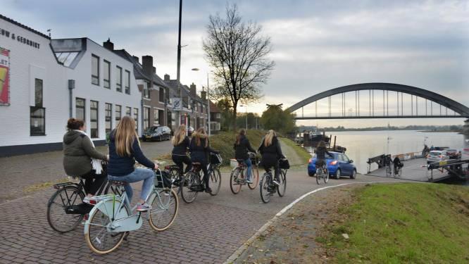 Houten en Culemborg geloven er weer in: sneller heen en weer dankzij fietsbrug over de Lek