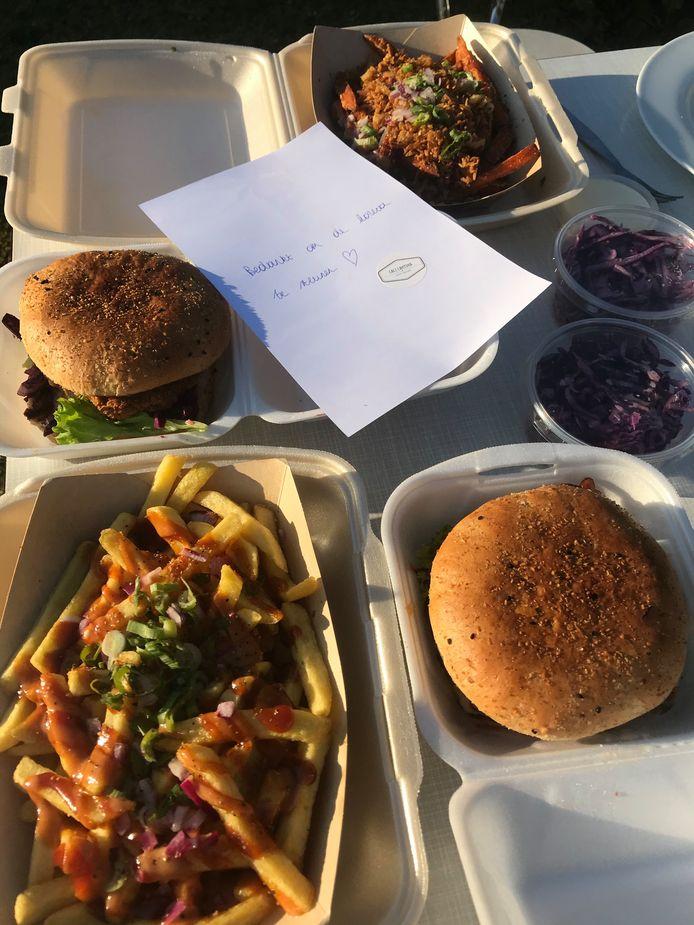 Hamburgers en frietjes van Cali Cantina uit Zandhoven.