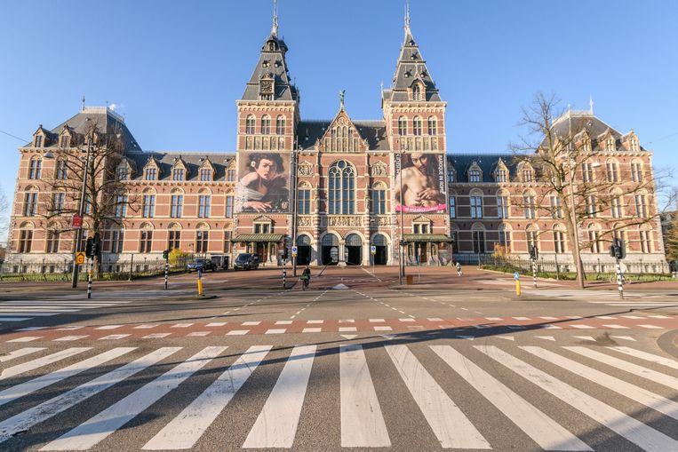 Lege straten rondom het Amsterdamse Rijksmuseum.  Beeld Getty Images