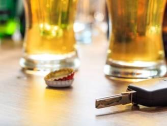 """Dronkenman rijdt na nachtje feesten in Overpoortstraat tegen gevel op Kortrijksesteenweg: """"Ik weet daar niets meer van"""""""