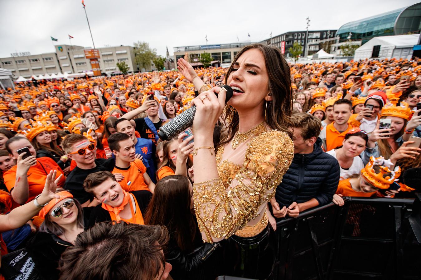 Maan tijdens een optreden van 538 Koningsdag vorig jaar in Breda.