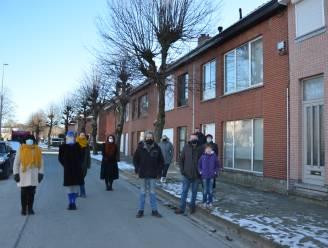 """Stad wil vier lindes in Slagveldstraat rooien, maar bewoners springen in de bres: """"Nooit hinder van bomen ondervonden"""""""