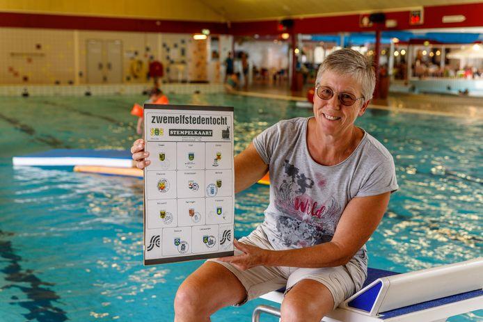 Zwemster Linda Wibbelink zwom in 1989 met negen andere leden van zwemclub Steenwijk'34 de Elfstedentocht. Olympisch kampioen Maarten van der Weijden doet dat dit weekend ook.