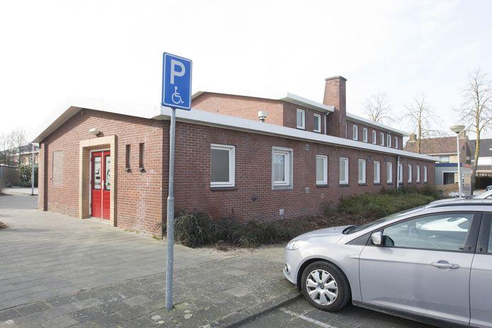 De nieuwe sportzaal op de Wierdense Esrand moet het sterk verouderde gymlokaal aan de Wilhelminastraat vervangen.
