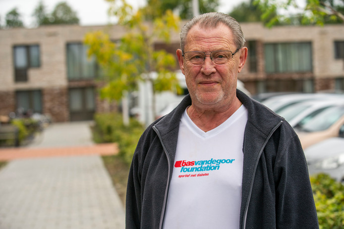 Veldhovenaar Jan Baaijens ging meer bewegen, viel af en kon daardoor minderen met zijn medicijnen.