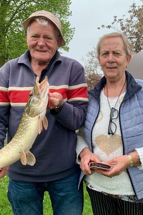 Dries en Anneke gaan heel graag samen vissen (en vangen nog weleens wat)