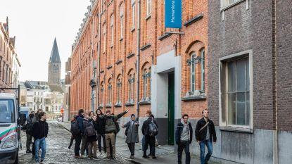 Leerkrachten Sint-Lievenscollege halen slag thuis: school blijft op huidige locatie