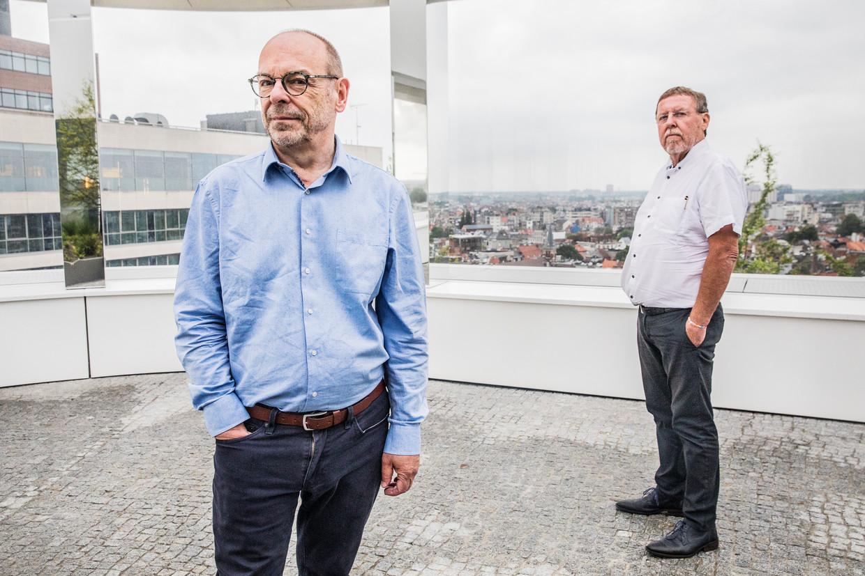 Waals journalist Alain Gerlache en ex-N-VA-politicus Siegfried Bracke: 'Geen regering straks? Dan neemt Europa het hier over.' Beeld Aurélie Geurts
