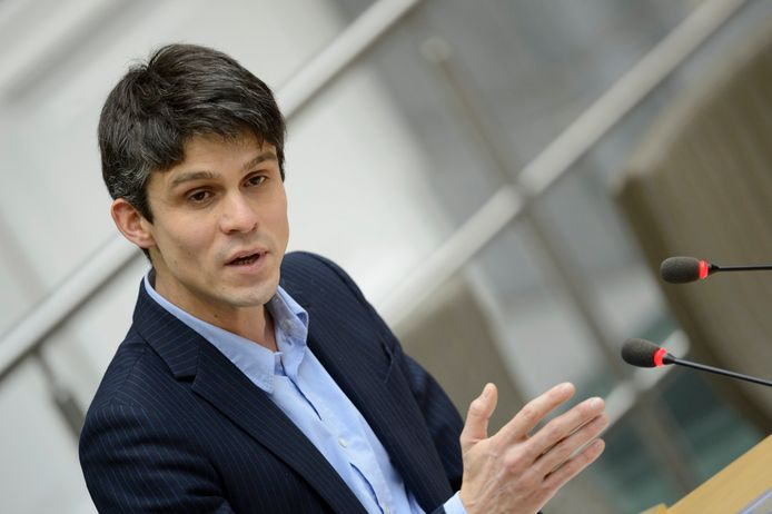 Minister Benjamin Dalle.