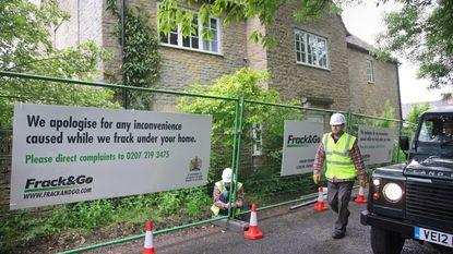 Greenpeace plaatst hek om huis David Cameron