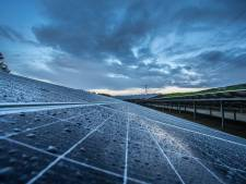 'Er is veel frustatie bij omwonenden over zonneparken, de gemeente moet meer regie nemen in het kiezen van locaties'