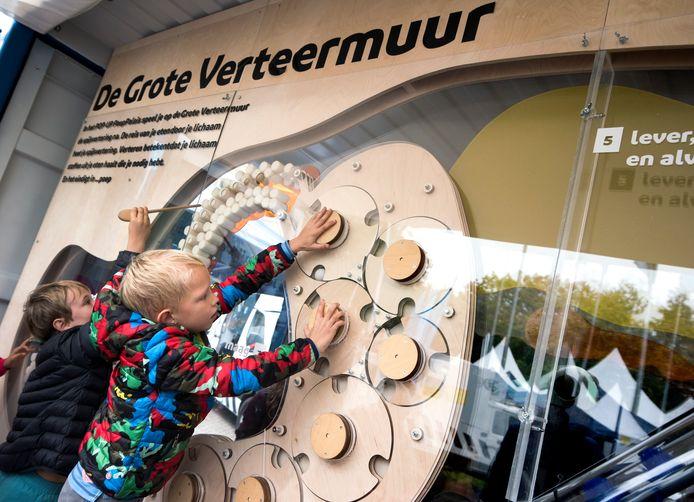 Open Dag bij het RIVM met veel interesse voor het Poeppaleis