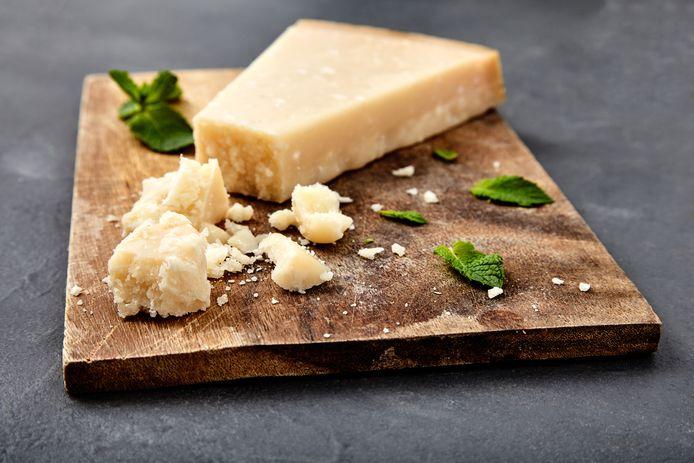 Fromage italien à pâte dure.