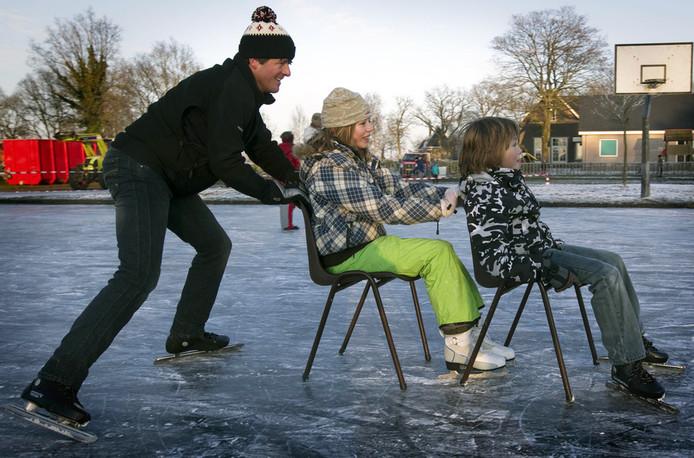 Alles wijst er op dat komende week de schaatsen onder gebonden kunnen worden. © ANP