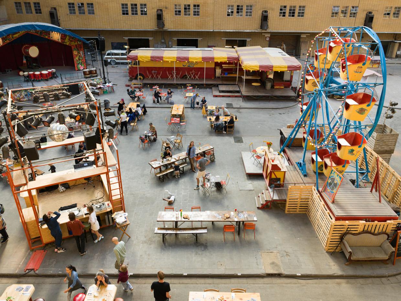 De Centrale Markthal in het Food Center Amsterdam geldt als de grootste markthal van Europa. Beeld Ivo van der Bent
