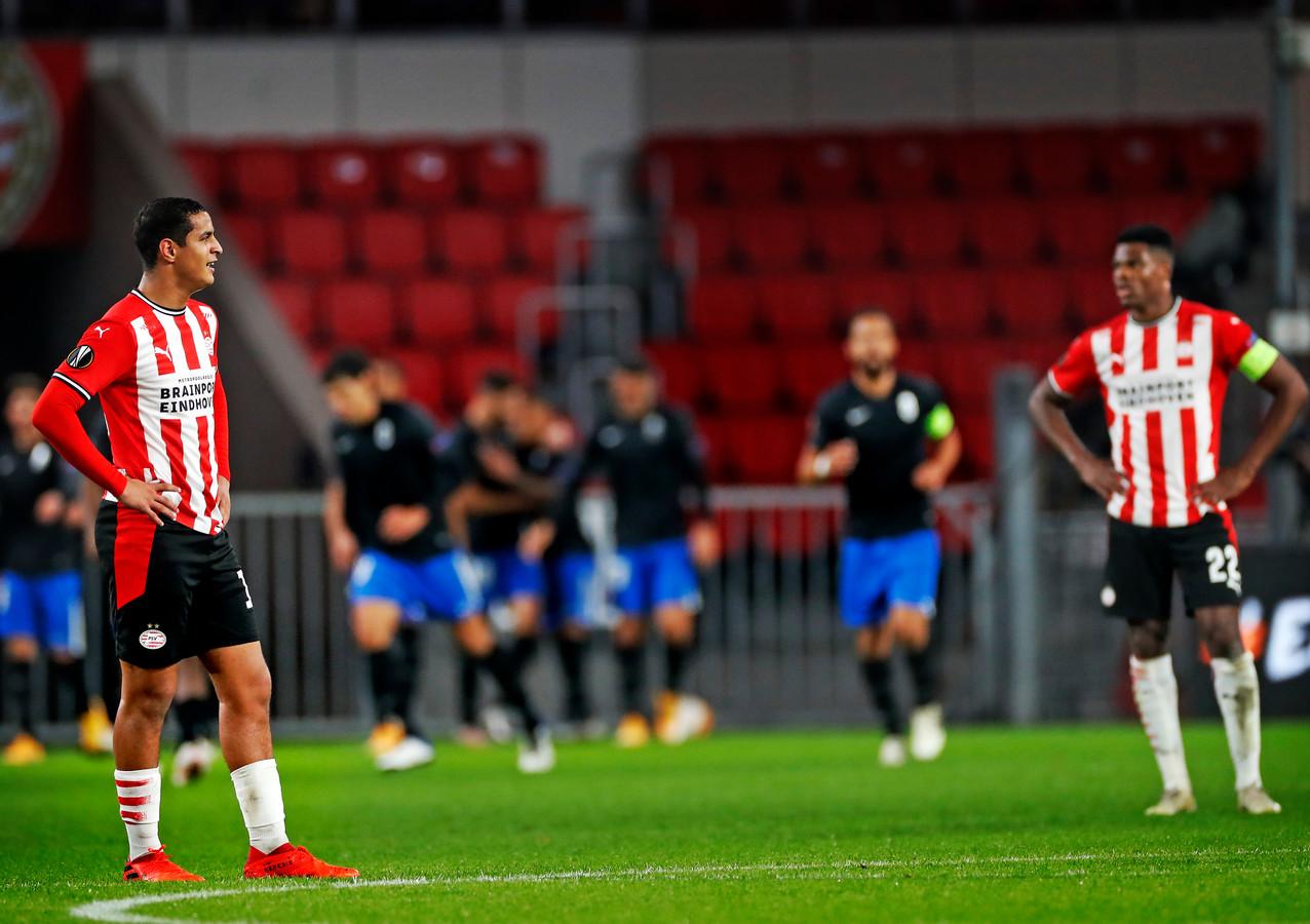 Ihattaren en Dumfries staan er betreurd bij na de prachtige 1-2 van Granada.