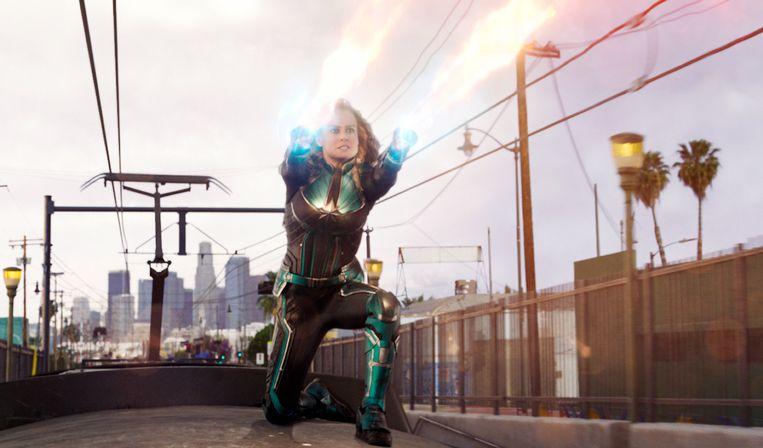 """Brie in 'Captain Marvel'. """"Het is een iconische outfit, maar ik moet toegeven dat ik er niet echt warm van werd toen ik hem voor het eerst aantrok"""", vertelt ze."""