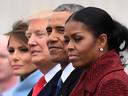 Melania en Donald Trump naast Barack en Michelle Obama tijdens de machtsoverdracht in 2017