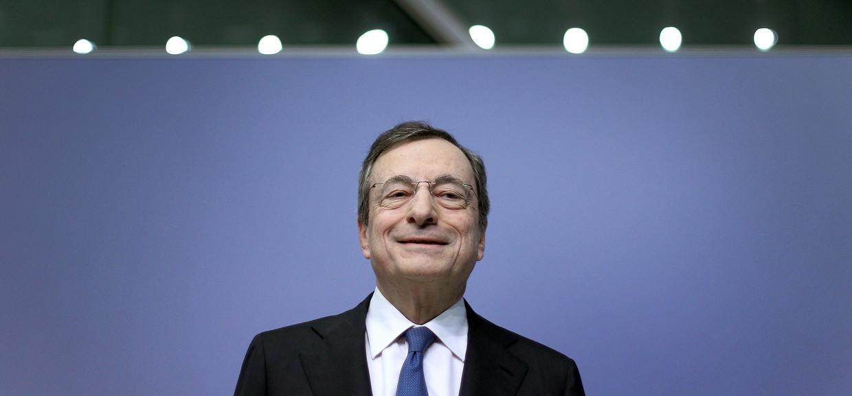 Mario Draghi donderdag in Frankfurt tijdens zijn laatste persconferentie. Beeld AFP