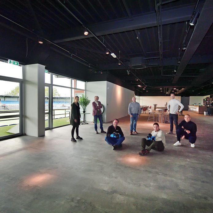 De ondernemers in het Herstaco-stadion