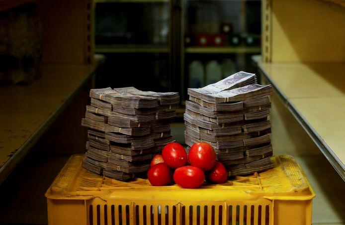 Een kilo tomaten afrekenen met de lokale munt is niet heel eenvoudig.