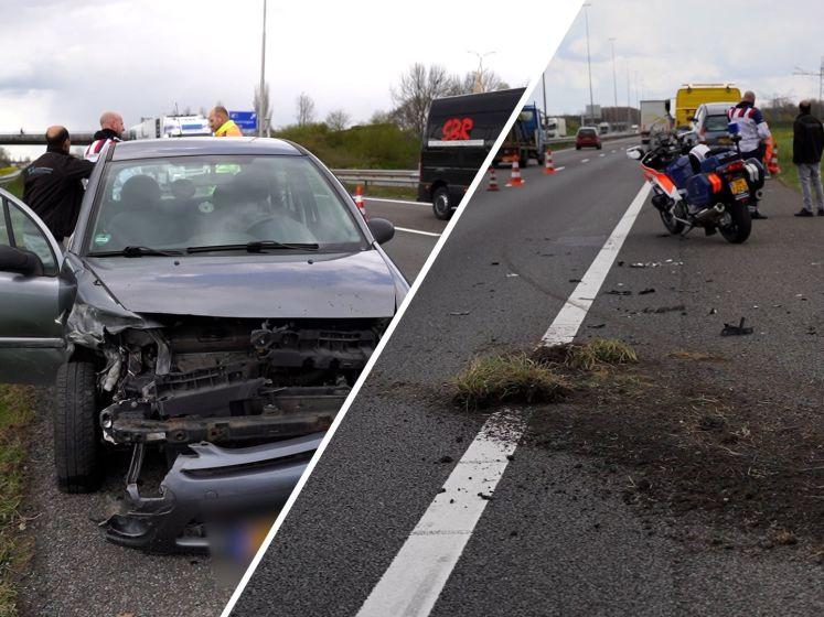 Auto total loss na botsing met vangrail op A73