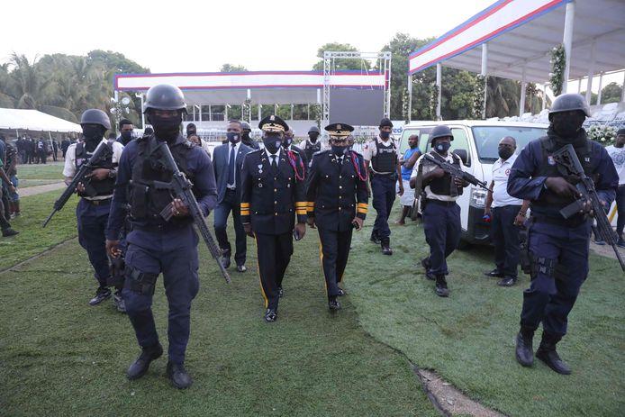 De chef van de nationale politie, Leon Charles, bij zijn aankomst.