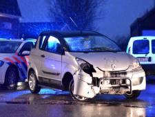 Automobilist slaat over de kop in Hazerswoude-Dorp