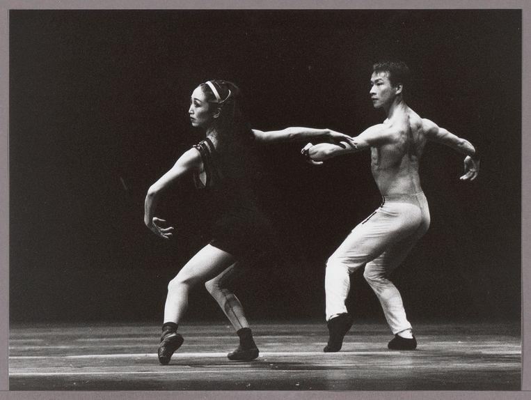 Caroline Sayo Iura en Bruno Barat in Spiegels Bevriezend (1995) Beeld Jorge Fataurs