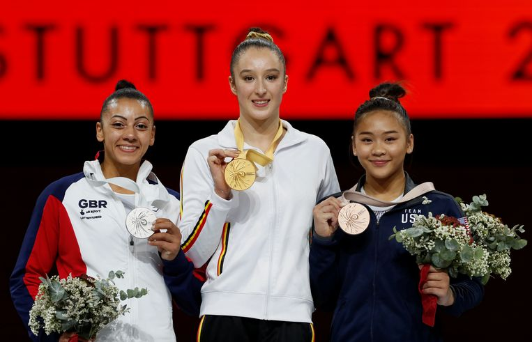 Nina Derwael pakt opnieuw goud op de brug met ongelijke leggers. Beeld REUTERS