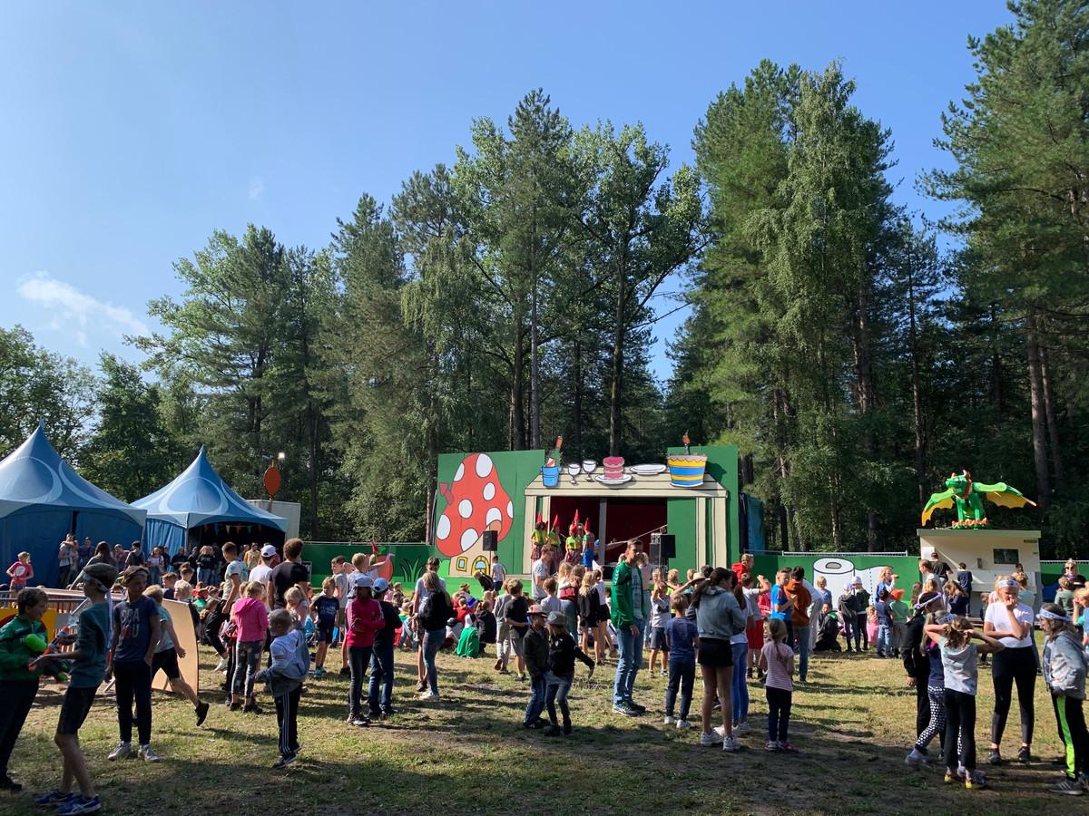 Een deel van bosgebied Gorp bij Hilvarenbeek is tijdens de Kindervakantieweek omgetoverd tot sprookjesbos.