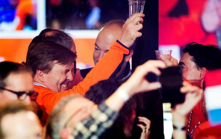 Koning Willem-Alexander tijdens de huldigingen in het Holland Heineken House Beeld ANP