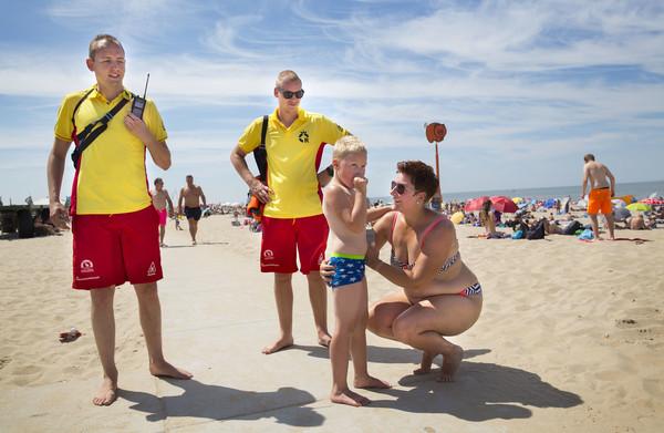 **Kind kwijt op het strand? Komt door smartphones, meent de reddings-brigade. We liepen mee**