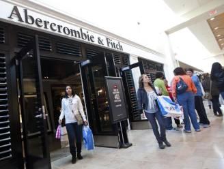 Abercrombie & Fitch maakt stomende reclamespots met kussende mannen