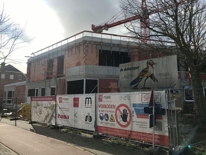 De werf van het nieuwe schoolgebouw Duinpieper in Westende