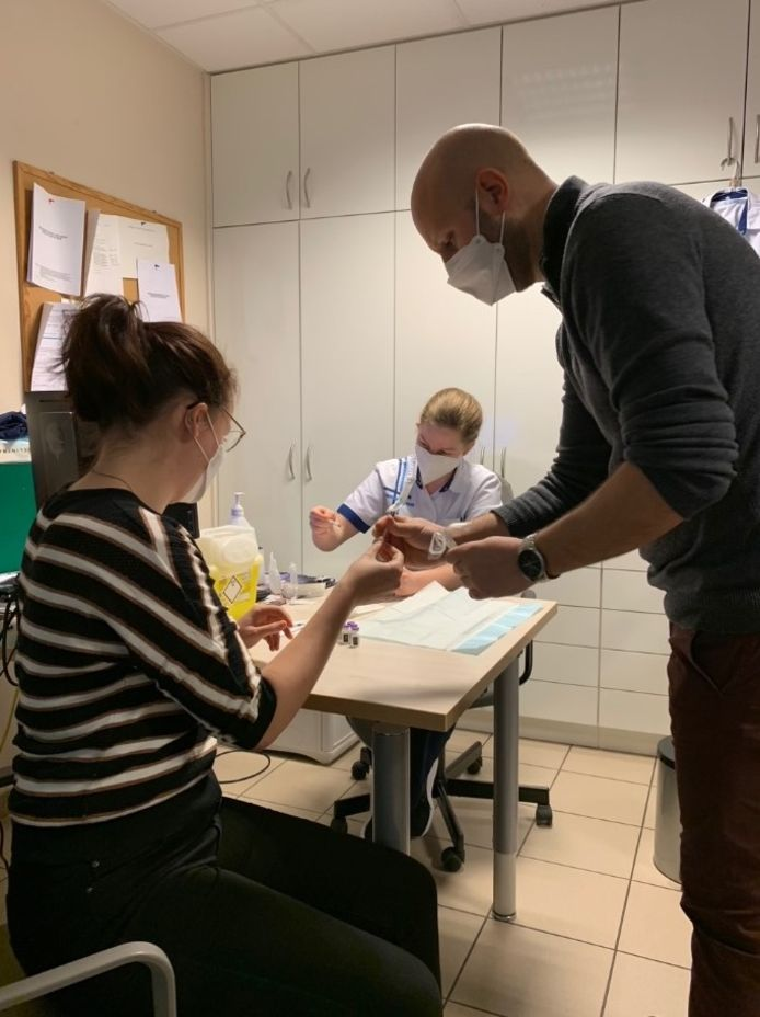 Een spannende uitdaging voor het vaccinatieteam van De Bron.