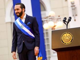 """Democratie in El Salvador bedreigd: president claimt """"coolste dictator ter wereld"""" te zijn"""