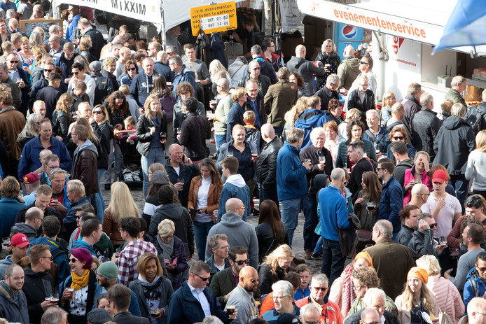 De Nationale Bokbierdag in het centrum van Zutphen