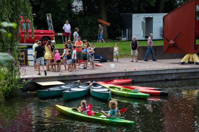 Een impressie van het Achterhoeks Streekfestival in 2017. In diezelfde sfeer wil het Openluchttheater Eibergen dit jaar het Nederlands-Duitse Berkelfestival opzetten.