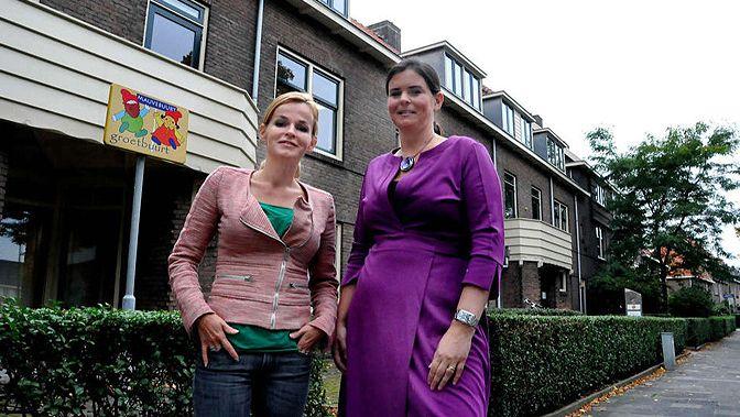 Oprichtster Barbara Muller (l) en penningmeester Marianne Wamelink.