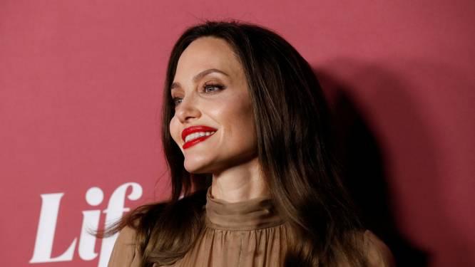 """Angelina Jolie is weer aan het daten: """"Ze is verloren tijd aan het inhalen"""""""