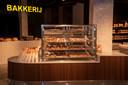 De dagverse bakkerij heeft een prominente plaats in de nieuwe zaak.
