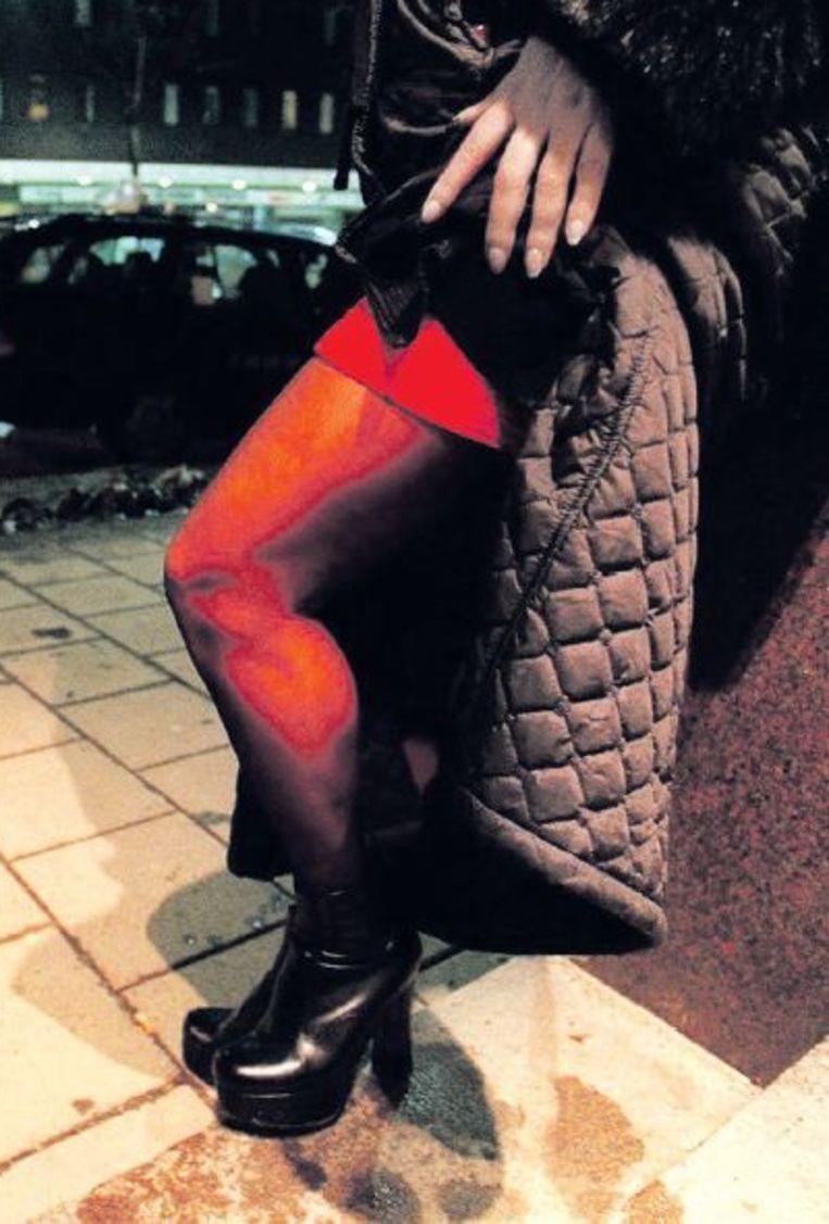 Een prostituee in het centrum van Stockholm. Beeld Reuters